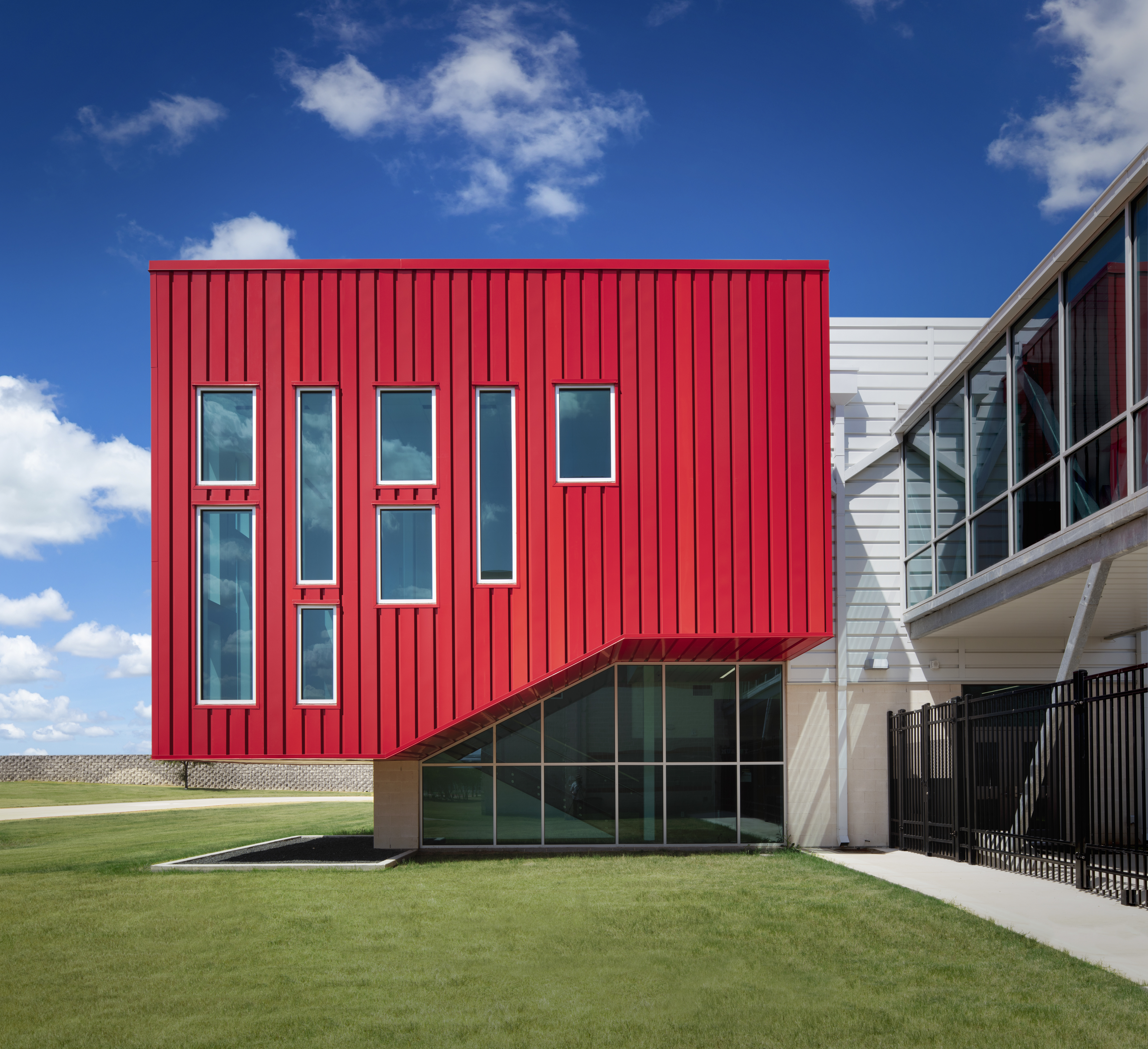 Pac Clad Metal Wall Panel System Creates Vibrant Dimension Under Budget Building Design Construction