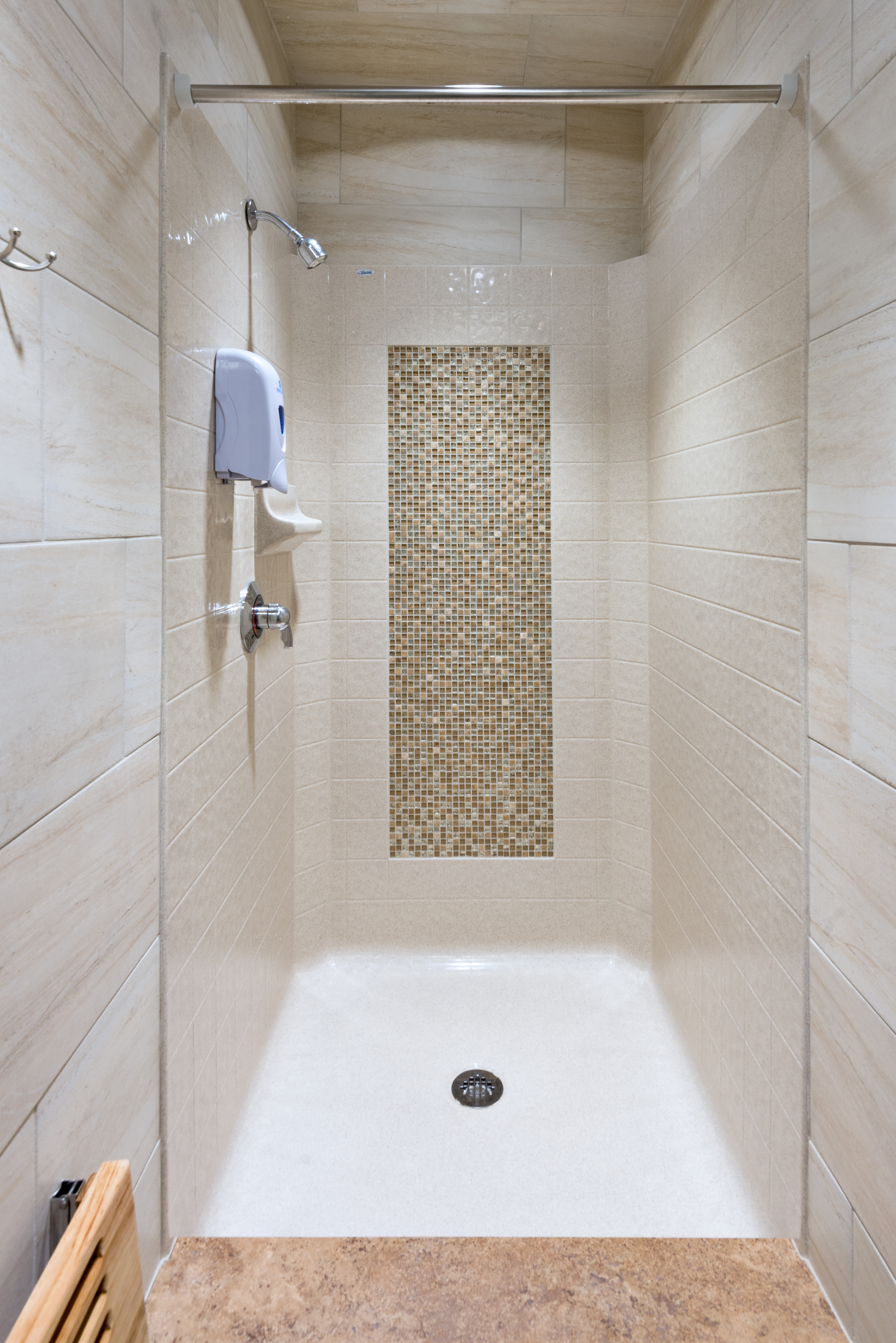 Shower threshold height – a better shower from the ground ...