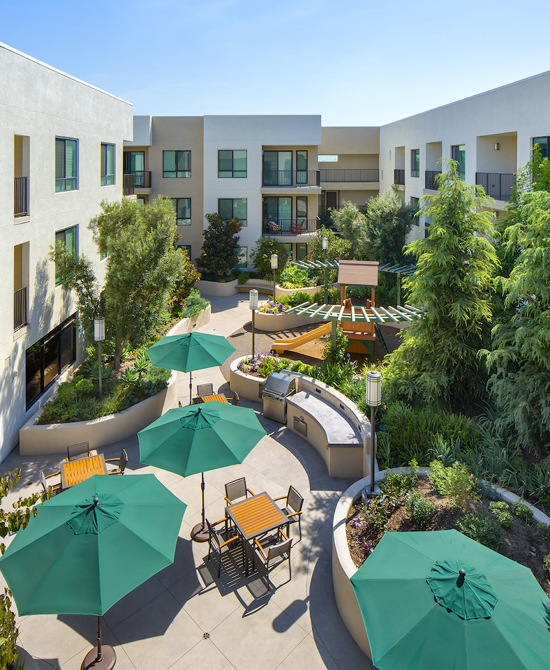 6 Withee Malcolm Veterans Village_9395PA4_Courtyard.jpg
