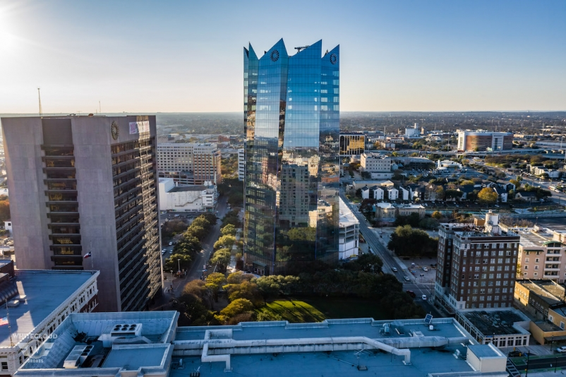 Frost Tower in San Antonio, Top 95 University Construction Firms, 2019 Giants 300 Report, Photo courtesy of Weston Urban, KDC, White Cloud Drones, Clark Group