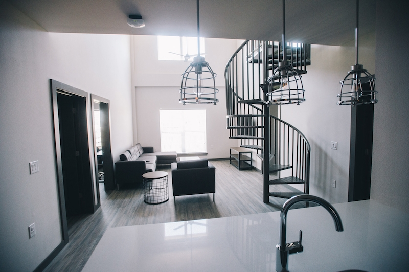 A common area located in The Ruckus Lofts