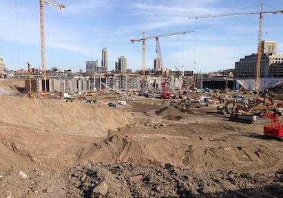 Vikings Stadium construction, April 2014. Photo: Runner1928 via Wikimedia Common