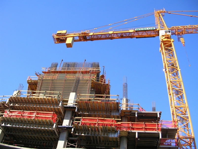 Nonresidential construction spending dips in January, still outpaced 2014