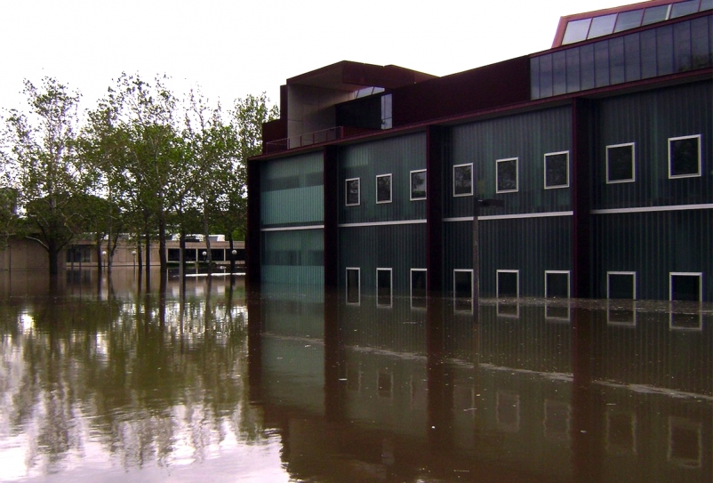 Obama executive order requires federal construction projects to consider flood damage caused by climate change
