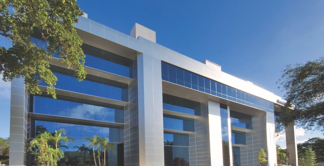 Hurricane Resistant Energy Efficient Viracon Glass Turns Florida