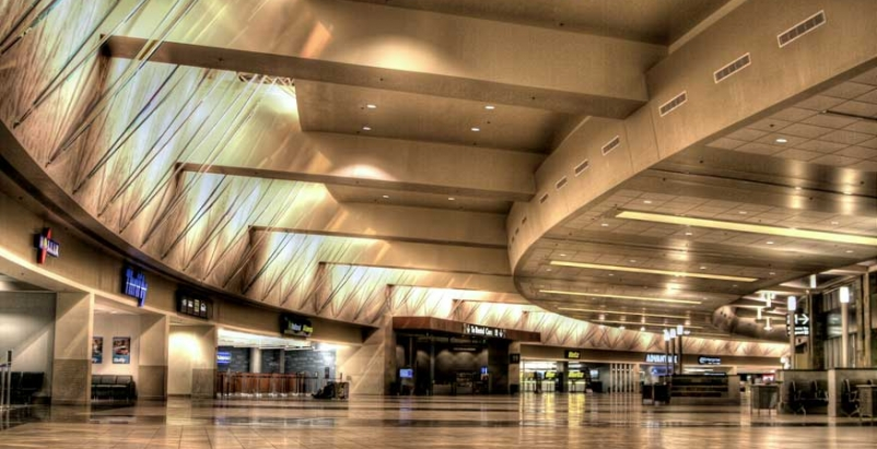 Experts discuss how airports can manage growth