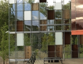 The panels of La Mtaphone were selected for their acoustical as well as structu