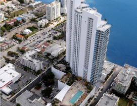 Paramount Bay in Miami. Courtesy Kobi Karp Architecture