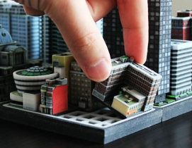 Toy around with Ittyblox's ultra-detailed building blocks